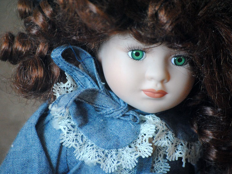 Understanding the History of Your Porcelain Doll Collection